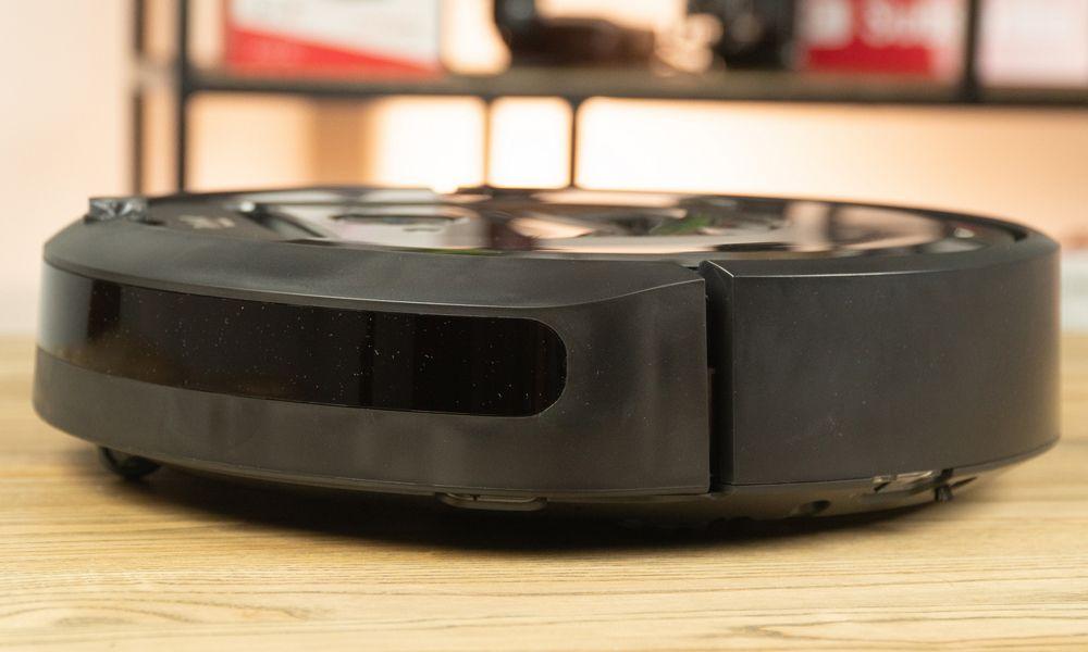 iRobot Roomba i7+. Foto 3
