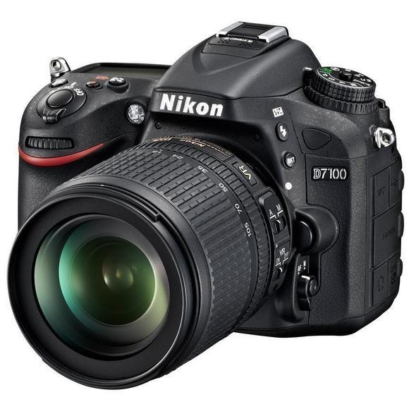 Nikon D7100 + 18-105 mm AF-S DX VR  - 1