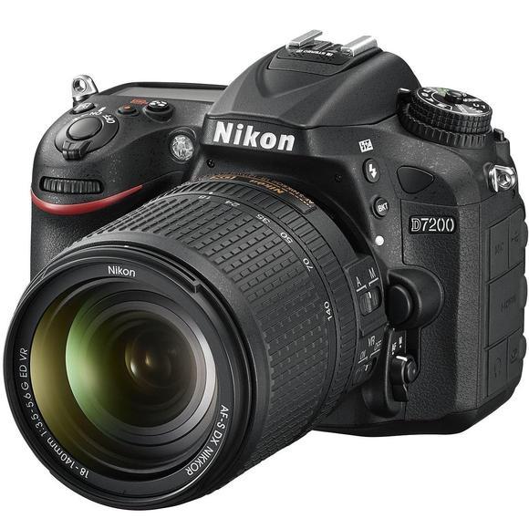 Nikon D7200 + 18-140 AF-S DX VR   - 1