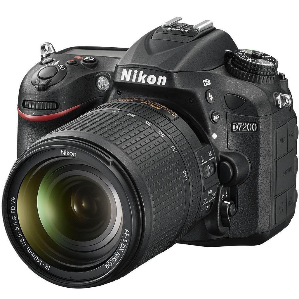 Nikon D7200 + 18-140 AF-S DX VR